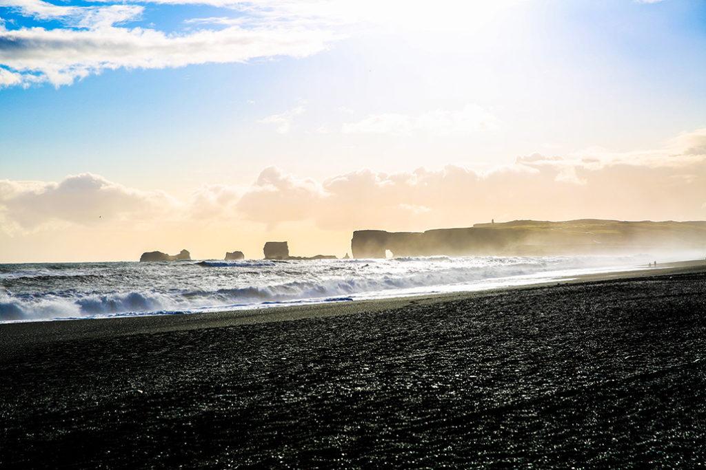 ブラックサンドビーチ